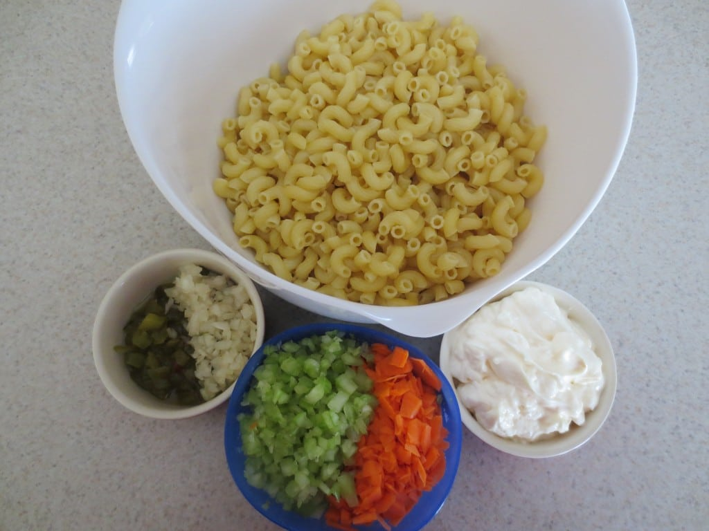 ingredients needed to make warm macaroni salad