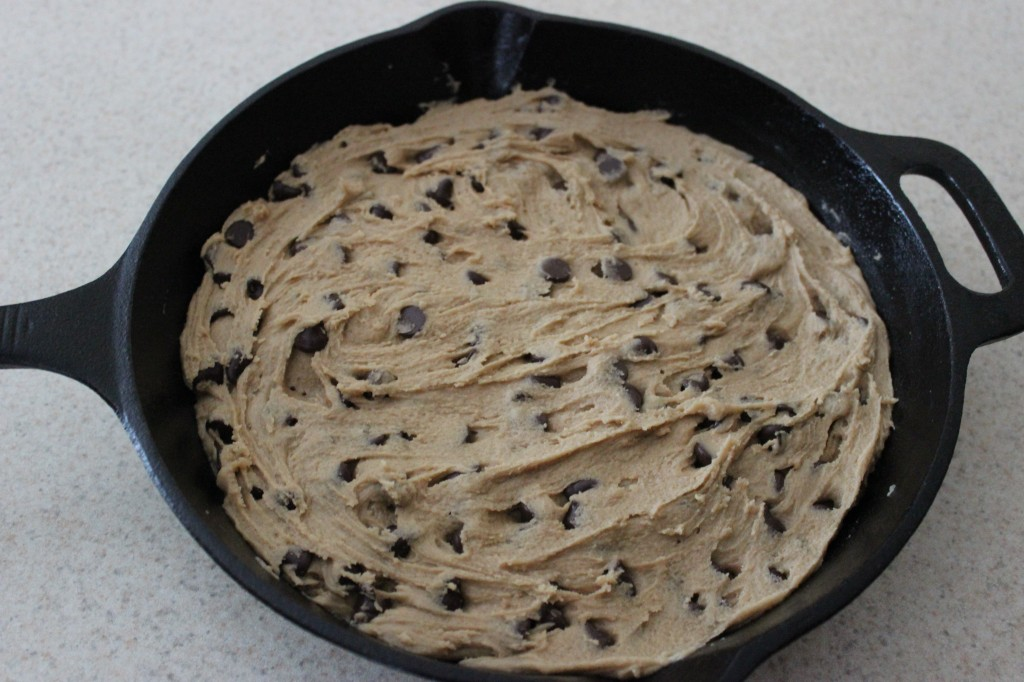 Skillet Chocolate Chip Cookie is a chewy, sweet, and chocolate recipe that is perfect for those times when you need a lot of cookies in a short amount of time. Perfect for the whole family. simplylakita.com #cookie #chocolatechip