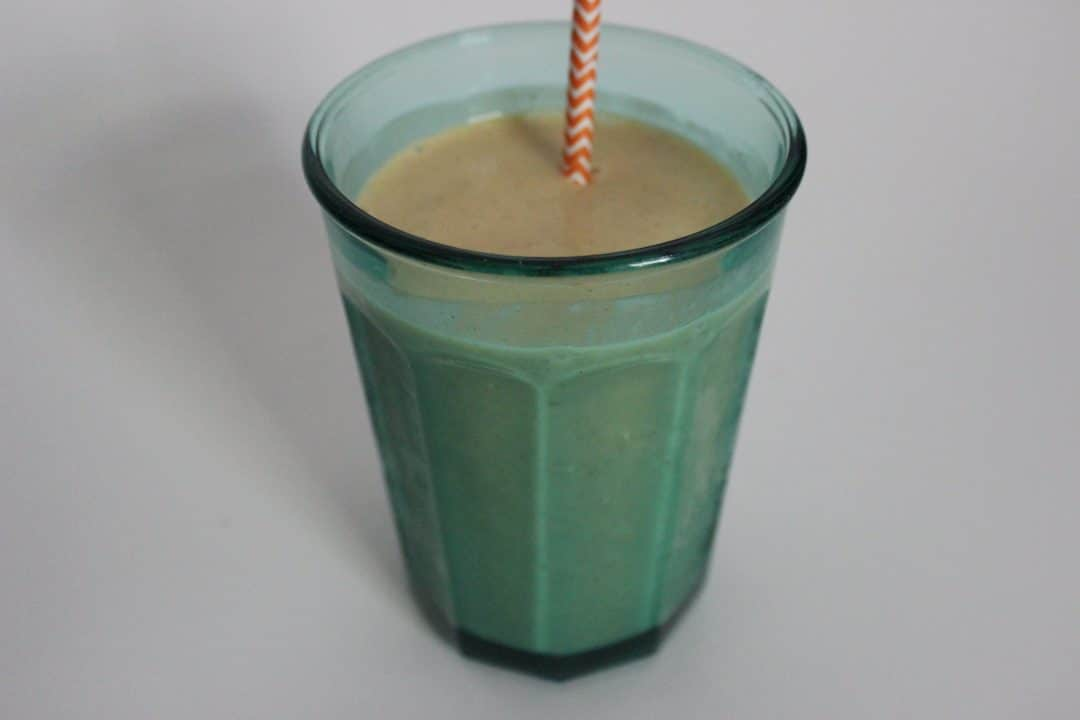Pumpkin Pie Spice Smoothie www.simplylakita.com #pumpkin #smoothie