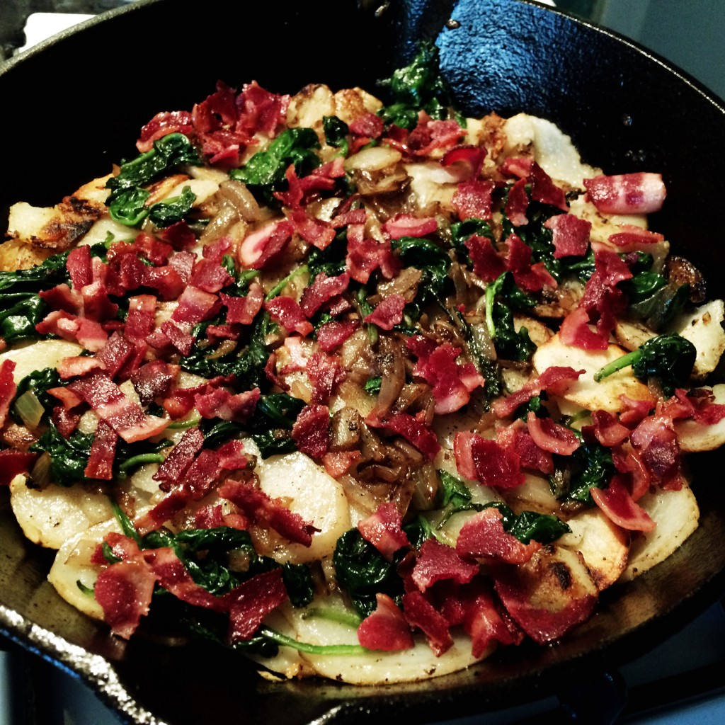 Potato, Spinach, and Bacon Frittata is perfect for breakfast or brunch. Packed with bacon and veggies, it is filling and delicious. simplylakita.com #breakfast #brunch