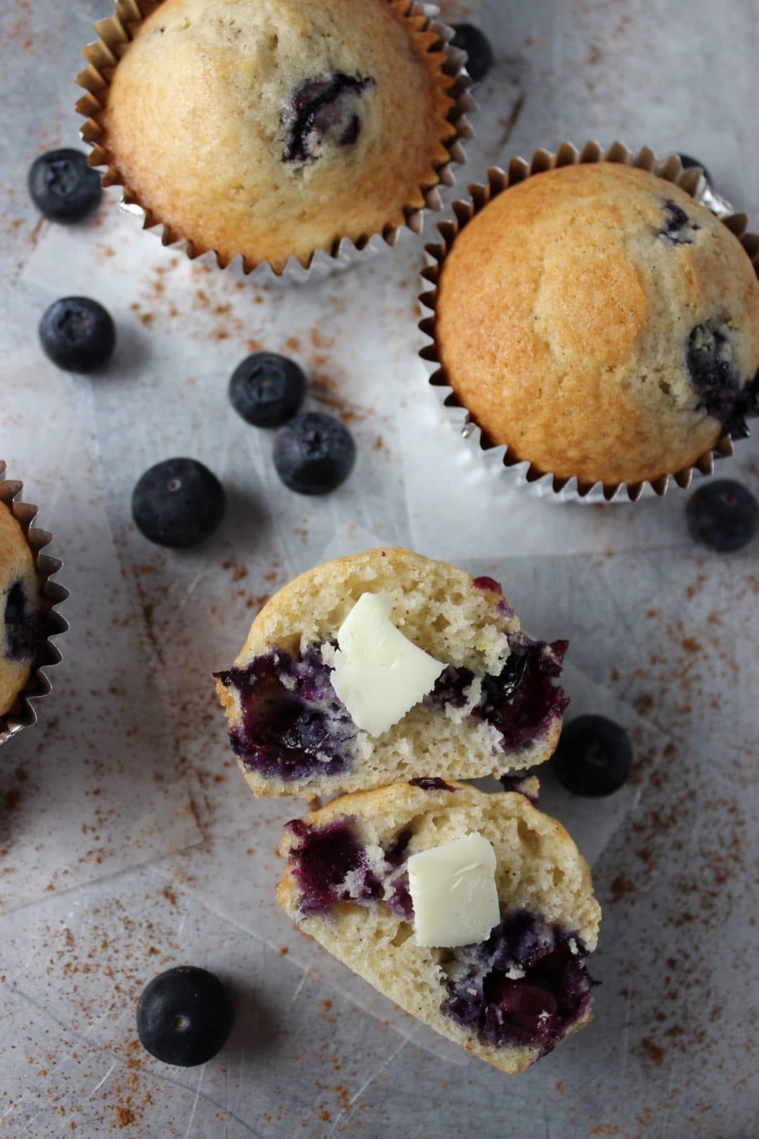 Blueberry Muffins - One bowl recipe with minimal ingredients and made with sweet blueberries. Sweet and delicious to enjoy anytime. simplylakita.com #muffins #blueberry