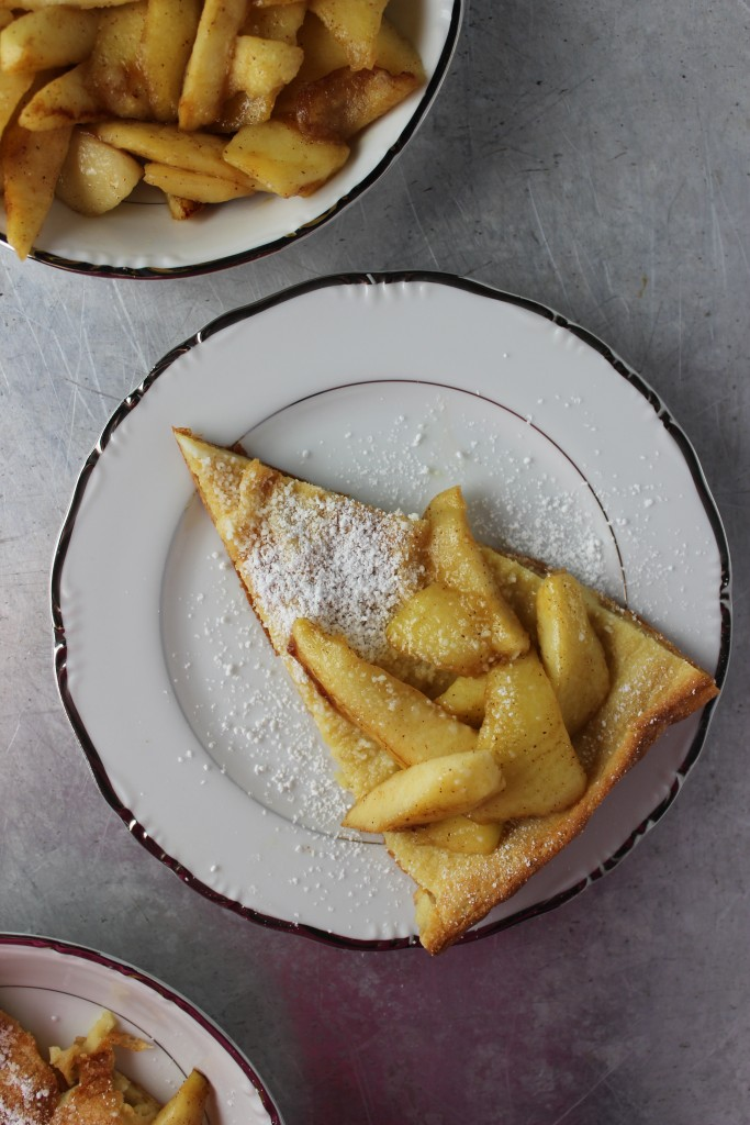 vanilla apple dutch baby