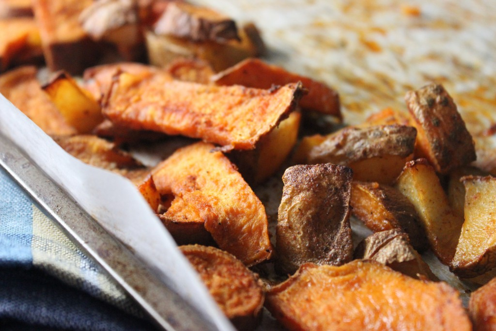 Easy Roasted Potatoes - If you have ever wanted to know how easy it can be to roast potatoes, then this recipe will help you with that. Give it a try!