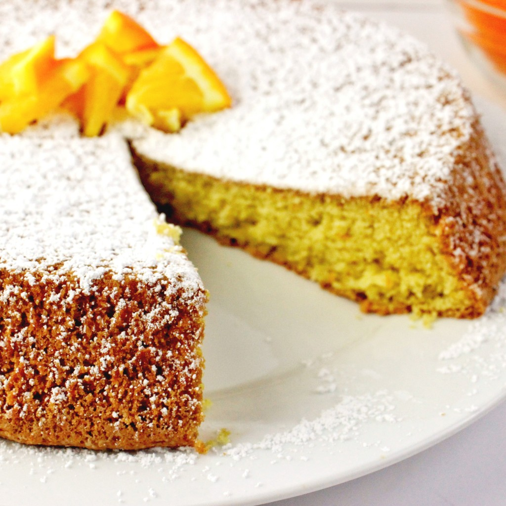 Easy Orange Olive Oil Cake Recipe that is so easy to make in one bowl and bake in the oven in one pan. Great flavor! simplylakita.com #cake #oliveoil