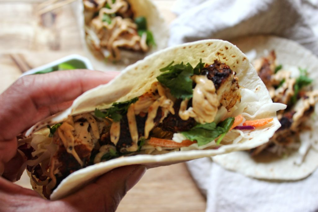 Jerk Chicken Tacos - I share with you today on the blog an easy recipe using the jerk seasoning that I picked up while on vacation in the Turks. simplylakita.com #tacos #jerk