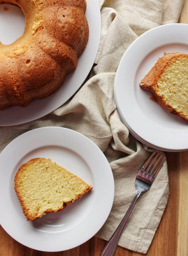 Rum Cake - On a recent trip to the Virgin Islands I was able to pick up some local rum and so I decided to share a cake recipe with you today on the blog. simplylakita.com #cake #rum #rumcake