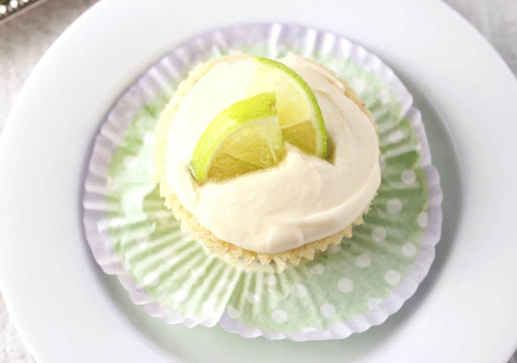 Margarita Cupcakes - These vegan margarita cupcakes are made using simple ingredients and also include an easy homemade frosting. simplylakita.com #vegan #margaritarecipe