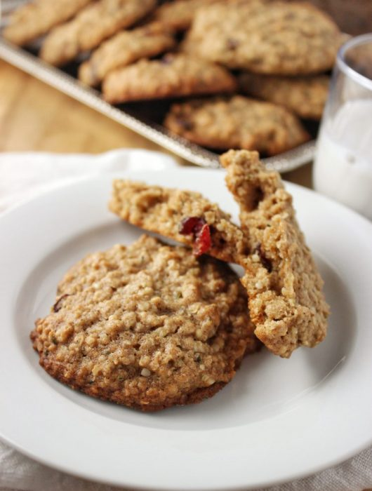 Harvest Cookies {Vegan} - These cookies are loaded with oats, fruit, and nuts to make a wholesome delicious cookie perfect for Fall and Winter. simplylakita.com #cookies #fall #vegan