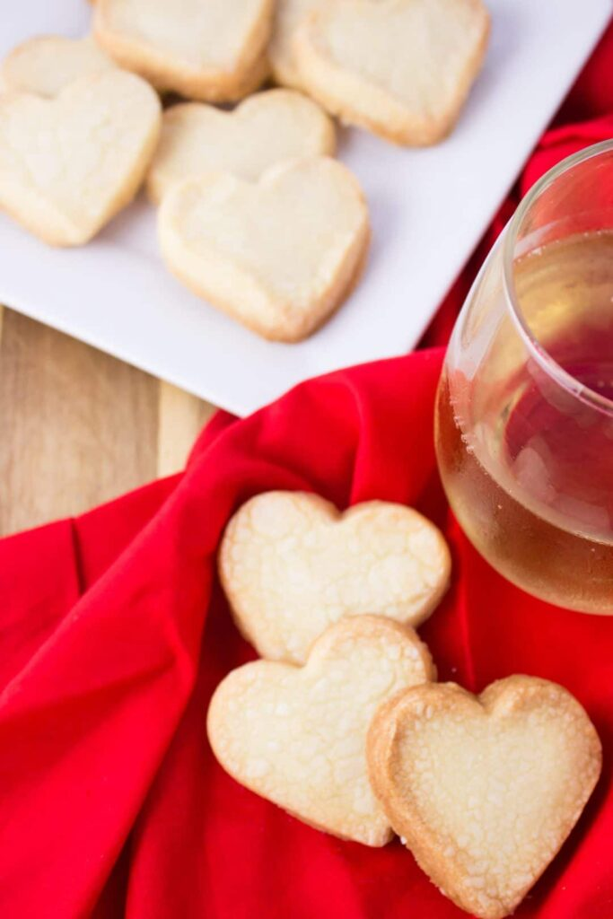 This quick recipe for easy shortbread cookies creates a simple dough that is buttery and sweet with only three ingredients needed to make. simplylakita.com #easycookies