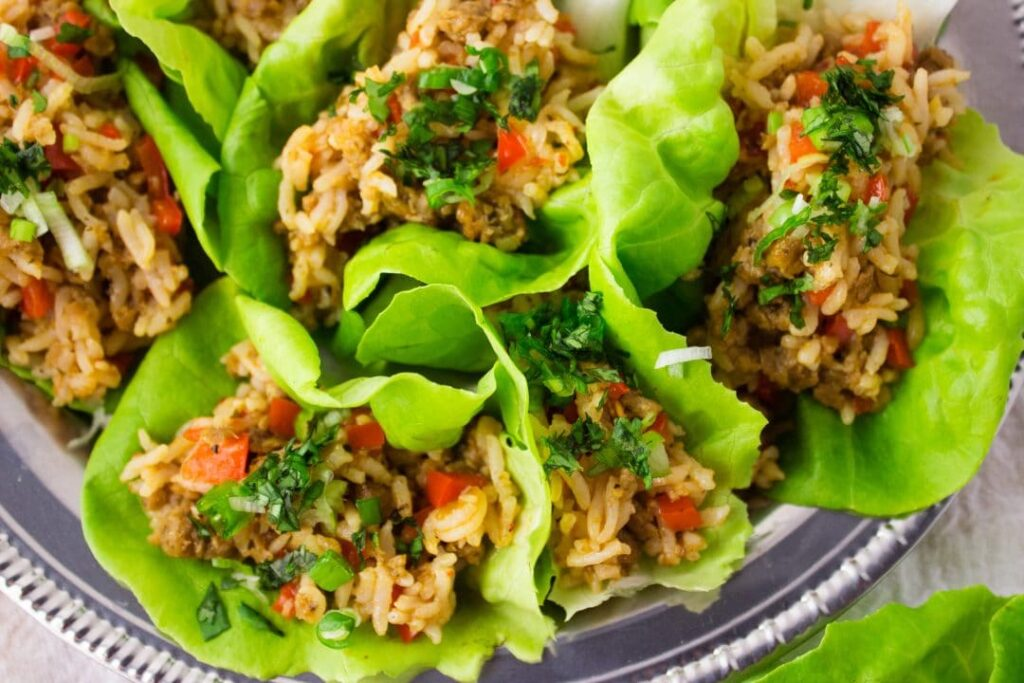 Spicy Asian Lettuce Wraps - This quick and easy recipe is perfect for the times when you want to add a little spice to a weekday meals. simplylakita.com #vegan