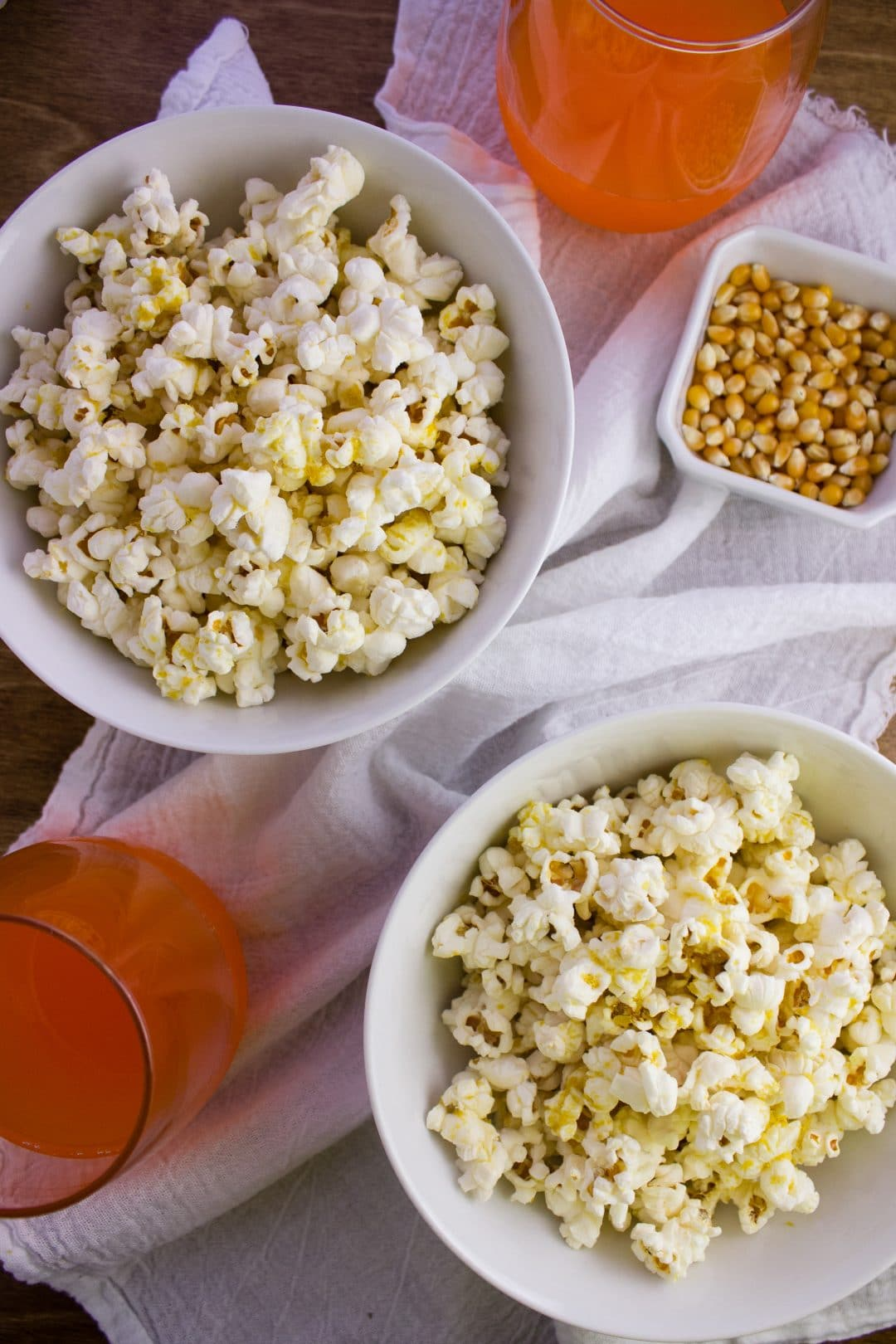 Brown Bag Popcorn - Make your own version of microwave popcorn using simple ingredients in a brown paper lunch bag. A quick healthy snack! simplylakita.com #popcorn #snacks