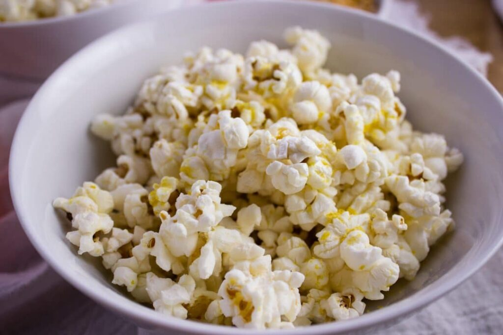 how to make popcorn in microwave without paper bag