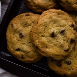 The classic New York Times Chocolate Chip Cookies is a recipe that has been made popular among food bloggers and so I decided to give it a try for myself. simplylakita.com #cookies #chocolatechipcookies