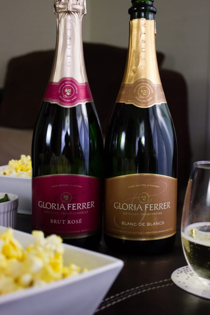 Movie Night with Gloria Ferrer Wines. simplylakita.com #ad #wine #GloriaFerrer #CLVR