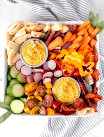 Curry Hummus with vegetable platter on napkin