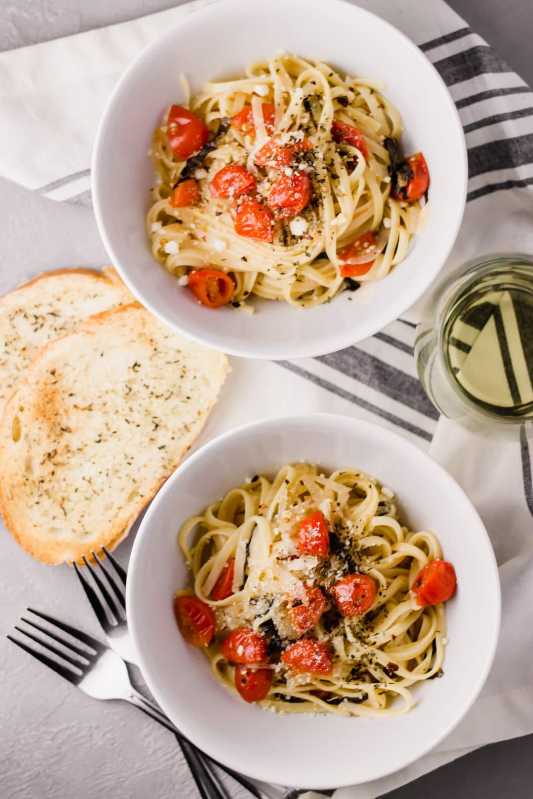 Martha Stewart One-Pan Pasta is a quick and easy recipe that combines pasta, tomatoes, basil, and garlic for a filling and delicious meal. simplylakita.com #pasta
