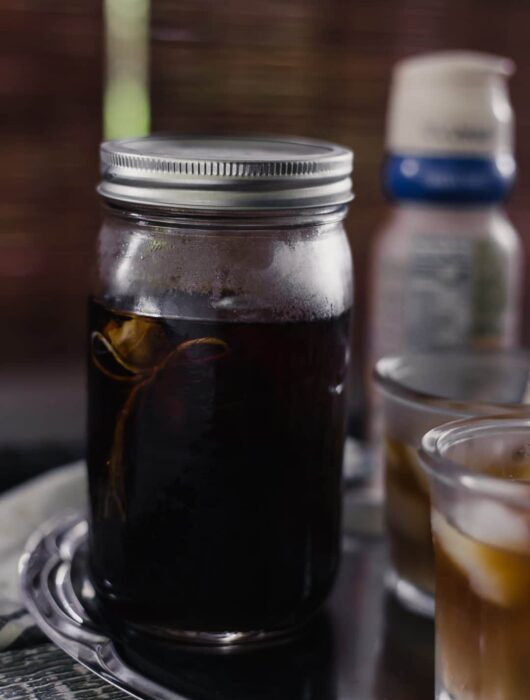Homemade Cold Brew Coffee is an inexpensive way to enjoy sweet iced coffee during the warmer months. Make this yourself at home with just a few simple ingredients. simplylakita.com #coffee