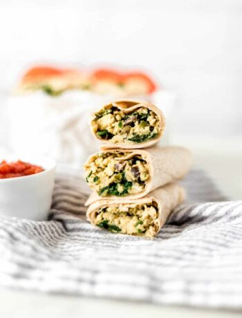 This quick and easy Breakfast Burritos Recipe can be made in minutes from ingredients that you forage in your refrigerator. Simple and delicious! simplylakita.com #breakfast #burrito