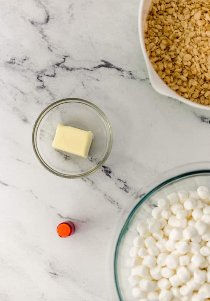 ingredients needed to make pumpkin shaped rice krispie treats